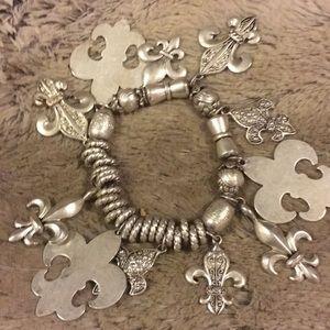 Jewelry - Flu De Le bracelet